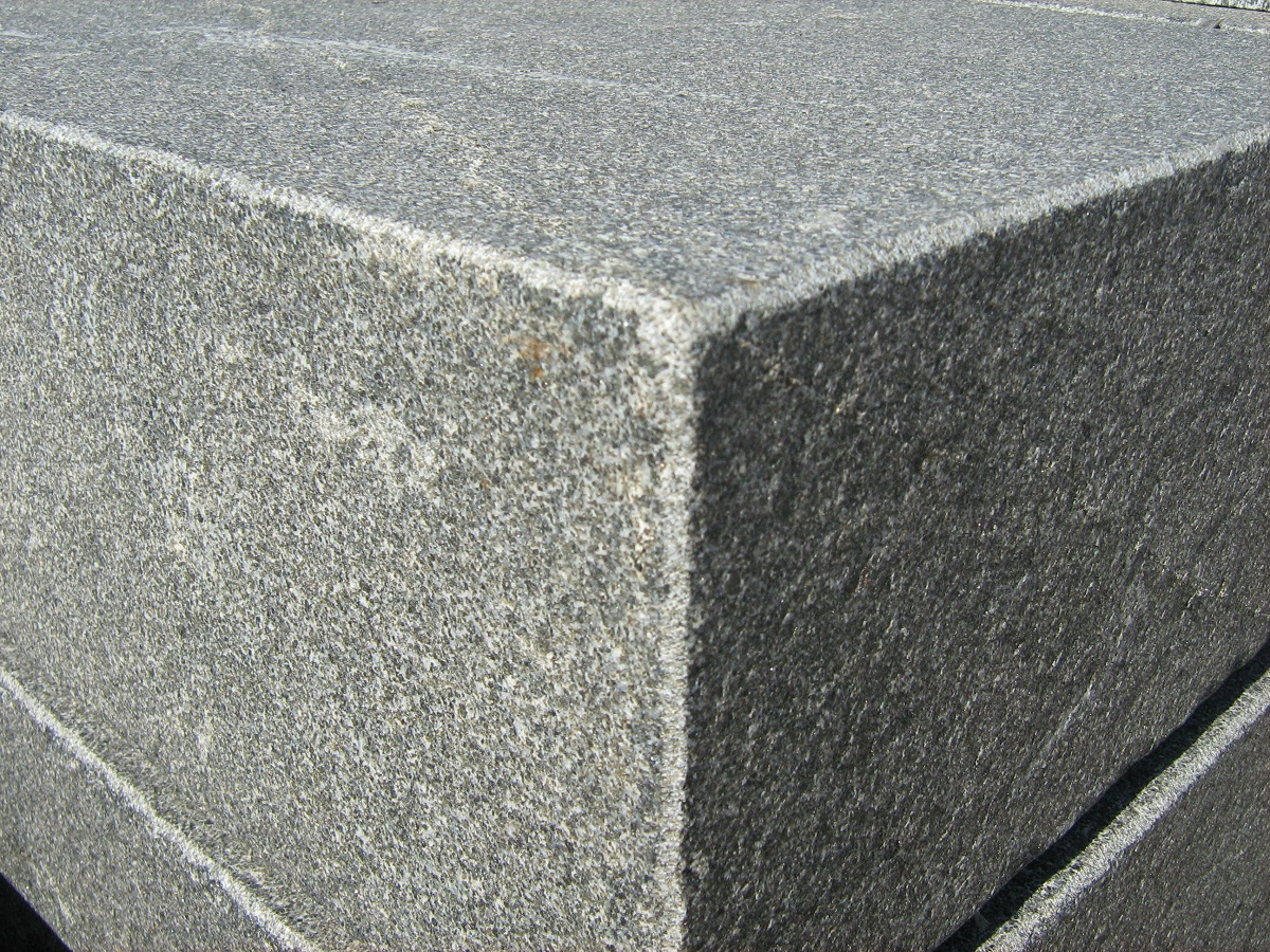 blockstufe architecture granit nero belfast cantera. Black Bedroom Furniture Sets. Home Design Ideas